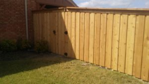United General Service (UGS) - Wood Fence 6' Cedar_Construction_06
